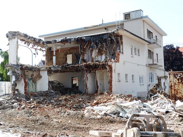 demolition-167738_640