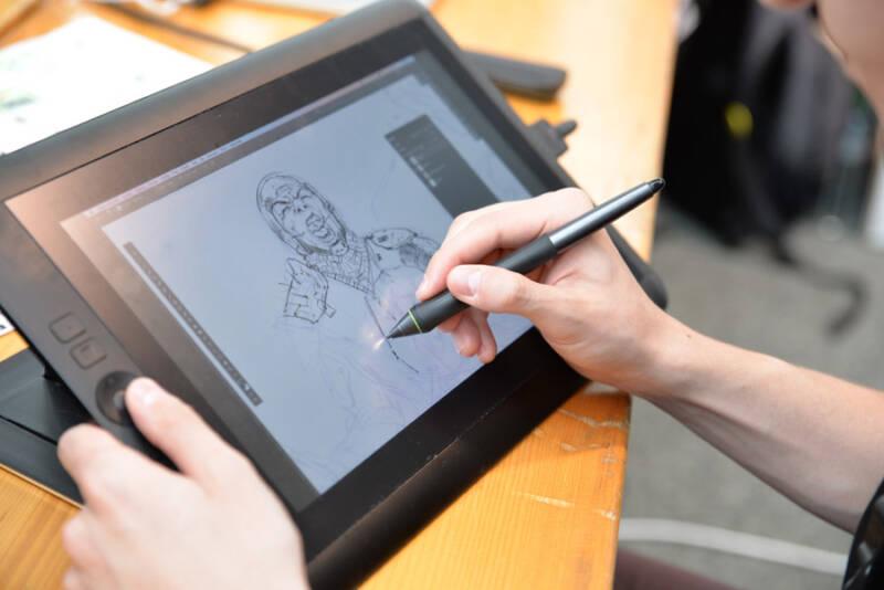 タブレットで漫画を描く